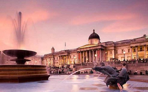 The National Gallery at dusk