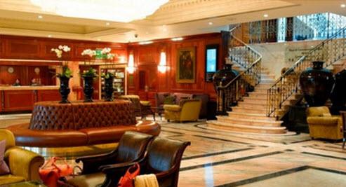 Lobby of the Radisson Blu Edwardian Grafton Hotel